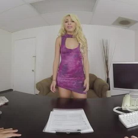Latina in Virtual Casting Couch Porn