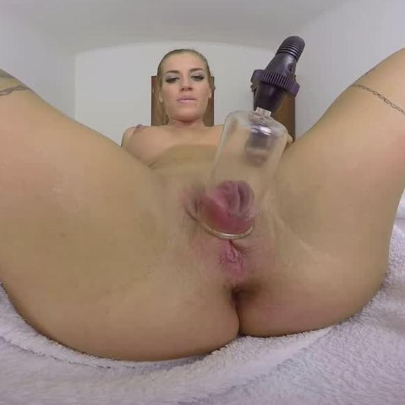 Silvia Spreads Her Pussy