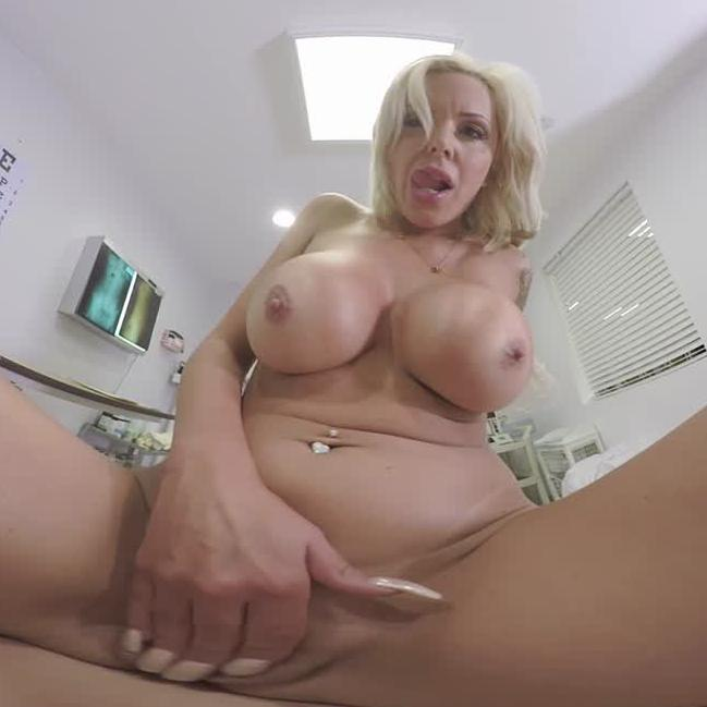 VR MILF Doctor Fucks With Patient