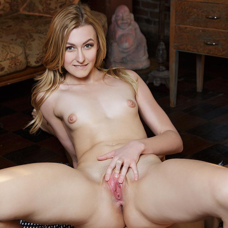 mallu uma nude