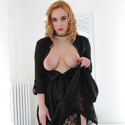 Curvy Redhead Teaches You To Cum