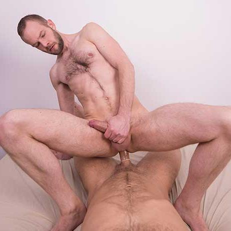 Gratis gay silver daddies Porr
