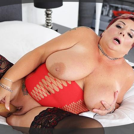 Red Head BBW Slut