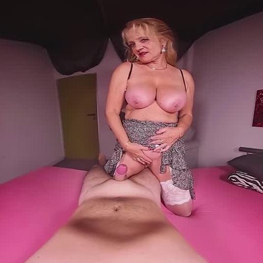 Mature VR Porn Star Making You Cum