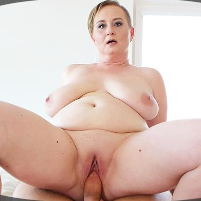 Big Tit MILF Shows You Her Pussy