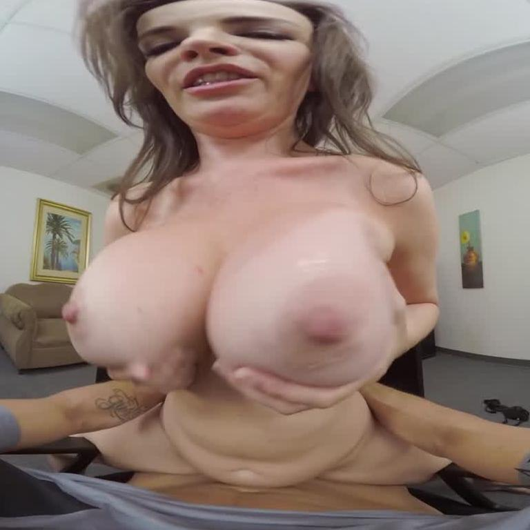 Hot MILF VR Porn Star Takes Your PI Cock